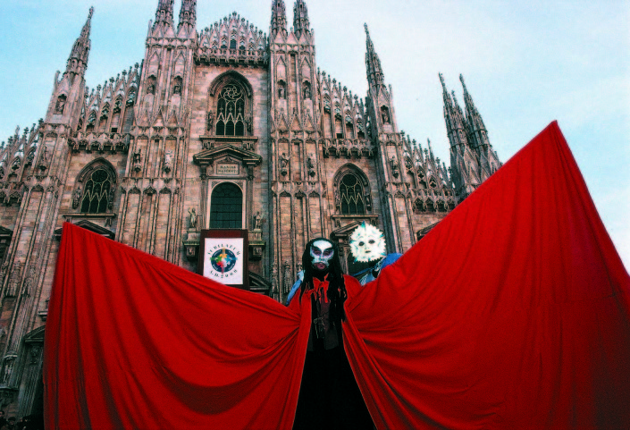 Ambrosian Carnival celebration, Milan cathedral façade.Pablo Munini
