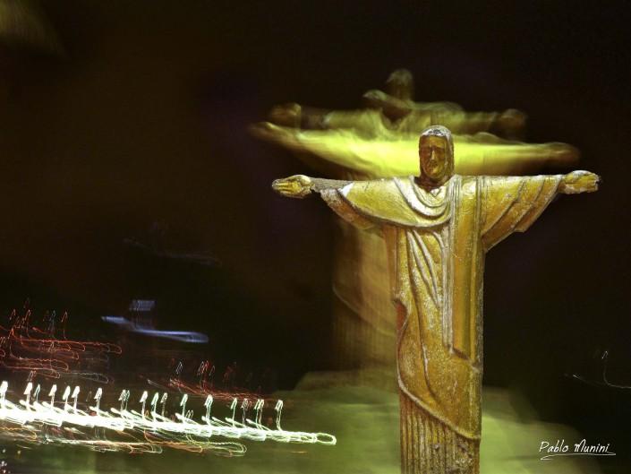 Christ the Redeemer moving ,Copacabana, Pablo Munini