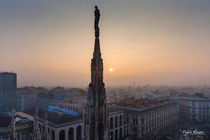 skyline of Milan,sunset from the roof of Milan's Cathedral. Pablo Munini