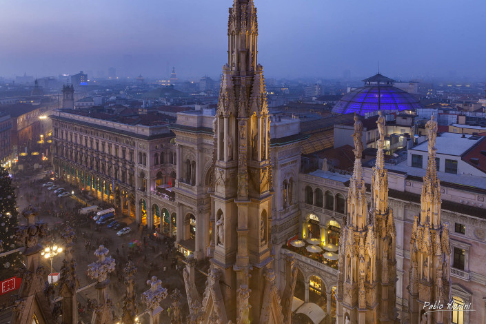 Panoramic view of the city center from the roof of the cathedral,Milan. Pablo Munini