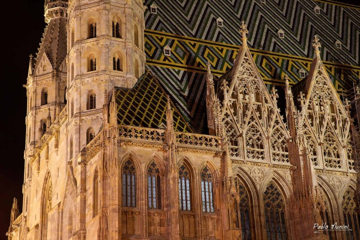 St. Stephen's Cathedral German title: Stephansdom) mother church Roman Catholic Archdiocese Vienn. current Romanesque Gothic initiated Duke Rudolf IV (1339–1365) most important religious building in Vienna, St. Stephen's witness many important events Habsburg Austrian history multi-coloured tile roof, city's most recognizable symbols.