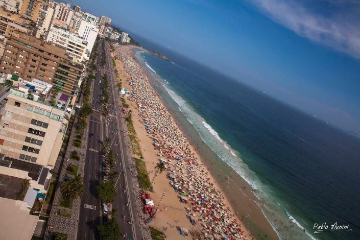 elevated view of Avenida Vieria Souto, Ipanema and Arpoador beach. Pablo Munini