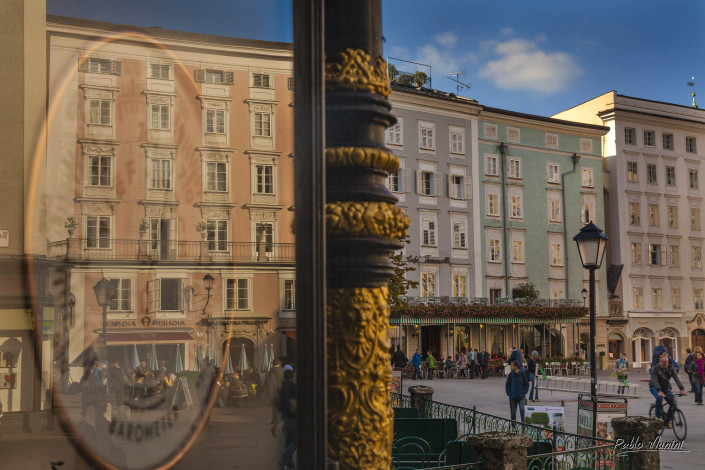 Salzburg photographies. Weather Station Alter Markt Square Salzburg Austria photography. meteorological station 1888 Alter Markt Square. Stadtverein Salzburg 1888 thermometer.