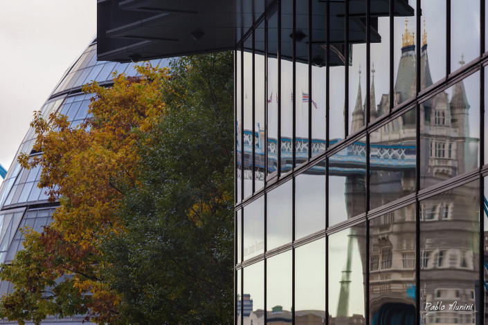 Autumn London, Reflections Tower bridge photography, London day photogallery ,day London images street photography,Bond street,Oxford street,Oxford Circus,Best photos london,london main landmarks,Picadilly Circus ,Westminster bridge,London eye day photos,best spots london,day trip london. day out London photography