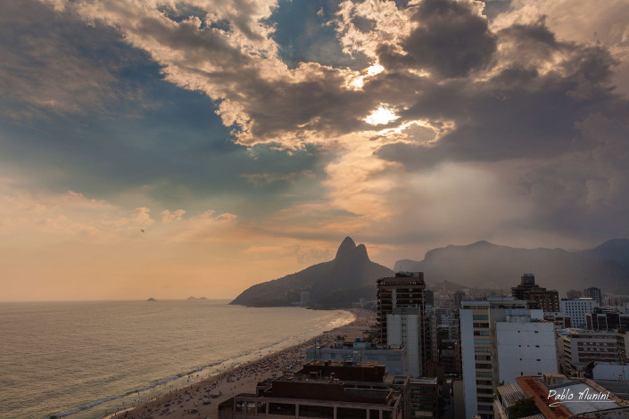 elevated view of Ipanema and Leblon with Two brothers mountain at sunset, Pablo Munini.