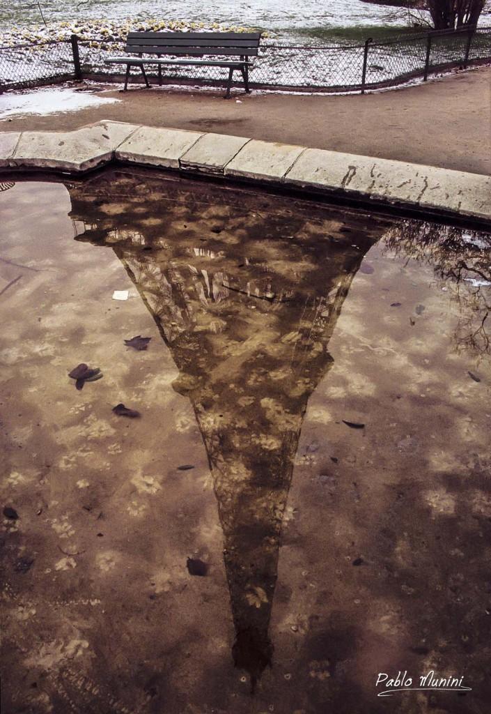 Meredith's bench, Eiffel tower,1994,Pablo Munini.