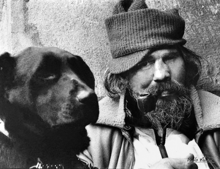 Guy the polish homeless clochard and his dog Vodka , Maris district ,Paris 1994.Pablo Munini.
