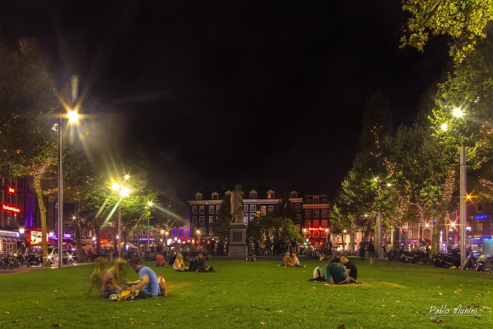 Rembrandtplein at night.The night Watch Statue.Amsterdam photo gallery.Pablo Munini
