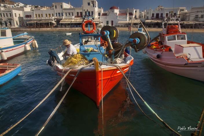 coloured boats mykonos. colors of mykonos. mykonos harbour. photos mykonos. images cyclades. mykonos photogallery.