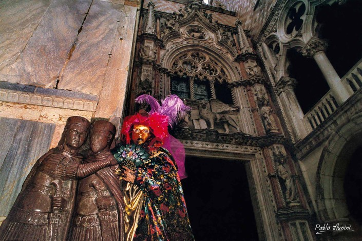 Paper door Doge's Palace, Carnival in Venice 1996. Analog photographies of the Carnival of Venice 1992 -1998. Pablo Munini
