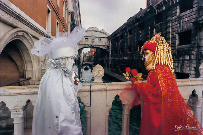 Bridge of Sighs from the bridge of straw, Carnival in Venice 1998. Pablo Munini Photography