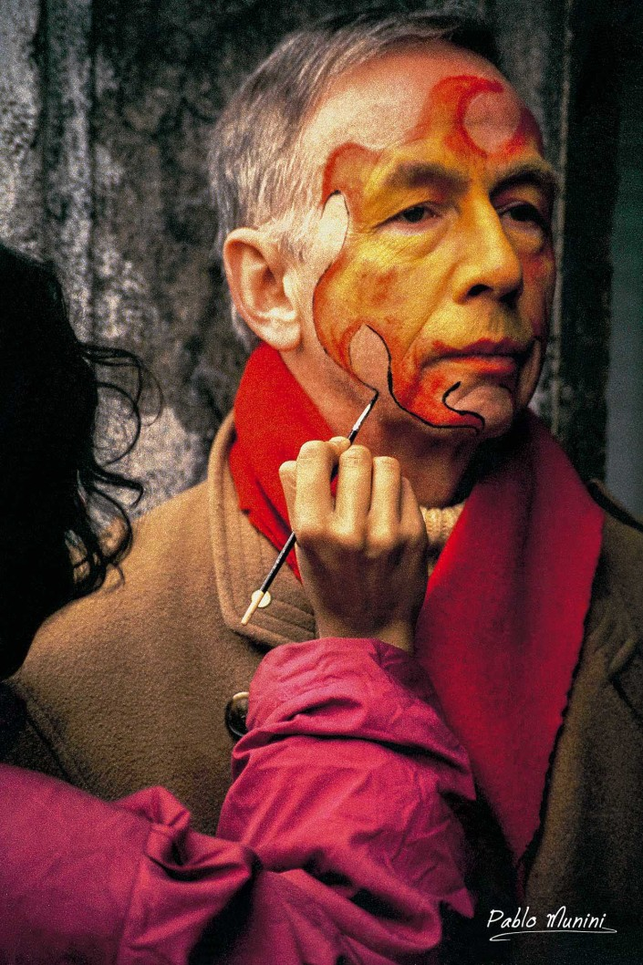 Face painting during the Venice Carnival,1992.Pablo Munini Photography