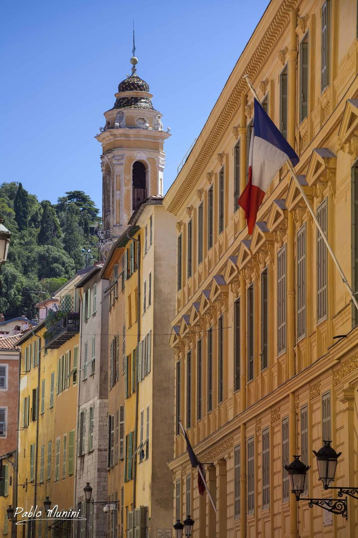 Streets of Old Nice. Rue de la Prefecture. Nice , France architecture images.Photos and images of the French Riviera and Cote d'Azur. Scenes, views.