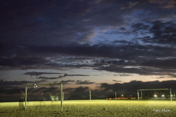 Copacabana beach, Rio de Janeiro night images. Pablo Munini
